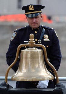 Policiers Wtc%2002%20nypd%20ring%20bell